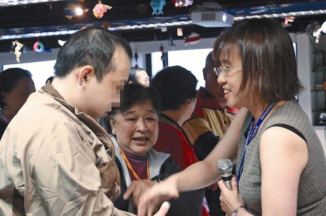 癲癇病患家庭可能被遺忘在社會資源網之外。 圖/台灣超越巔峰關懷癲癇聯盟提供